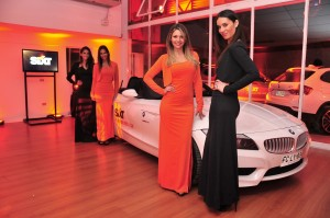 Sixt Models in Chile 300x199 Sixt + Chile = sant